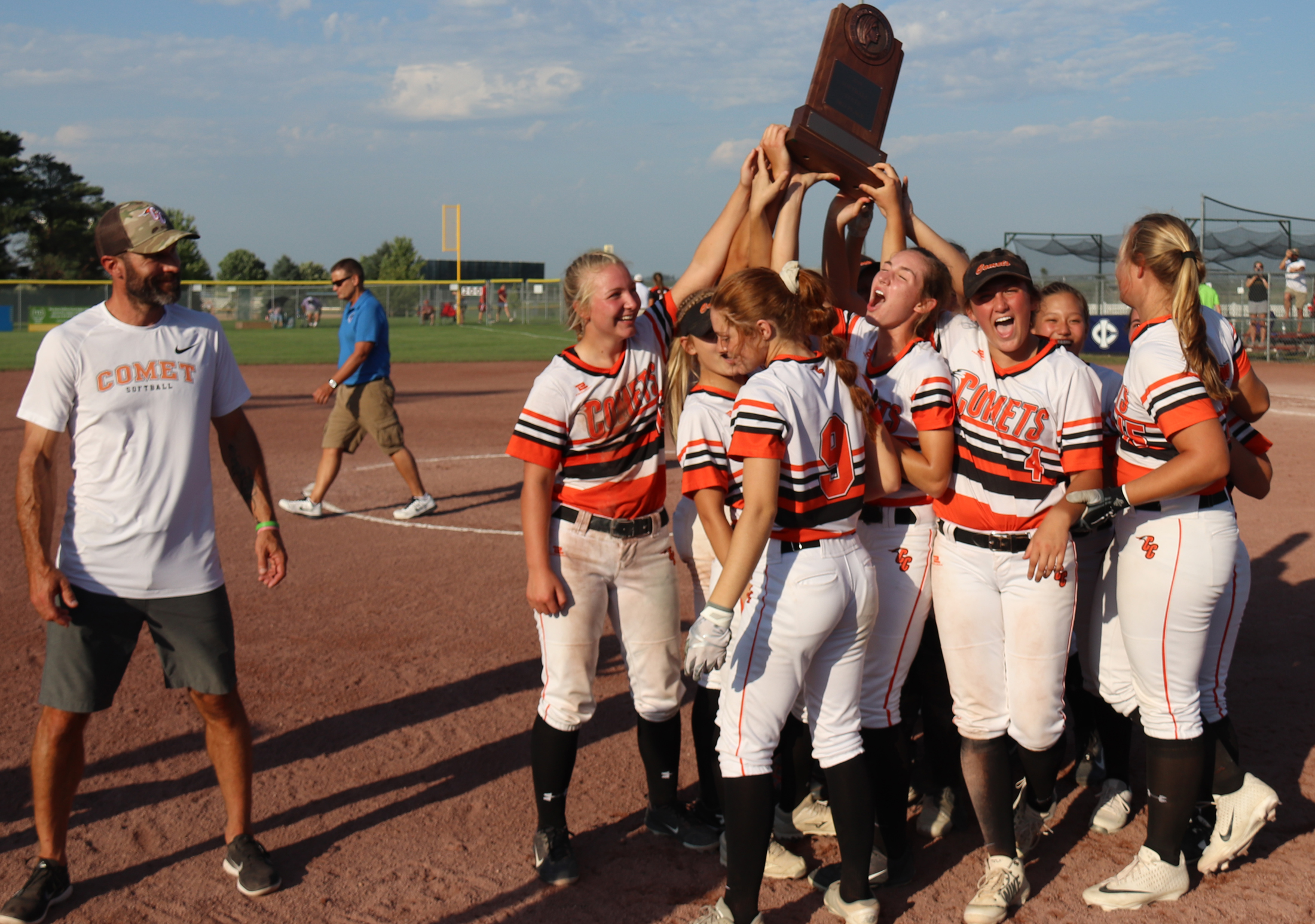 Comets make statement at State, come from behind to win 3rd-place game