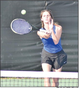 Bombers beat Blue Devils on the tennis court